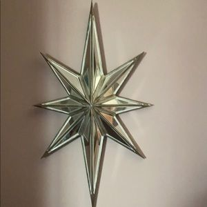 Two matching mirrored stars
